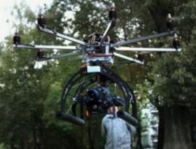 Fliegendes Video Kamera Stativ auf einem Octocopter