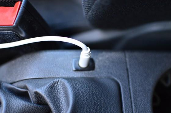 AUX-Out Stecker der iphone 5 Autohalterung