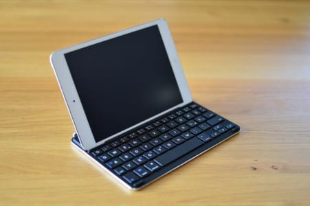 vergleich-ipad-mini-bluetooth-tastatur-cover-5-anker