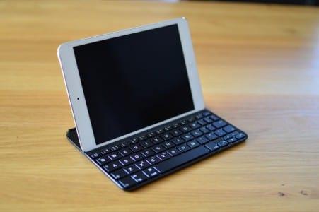 vergleich-ipad-mini-bluetooth-tastatur-cover-5-logitech